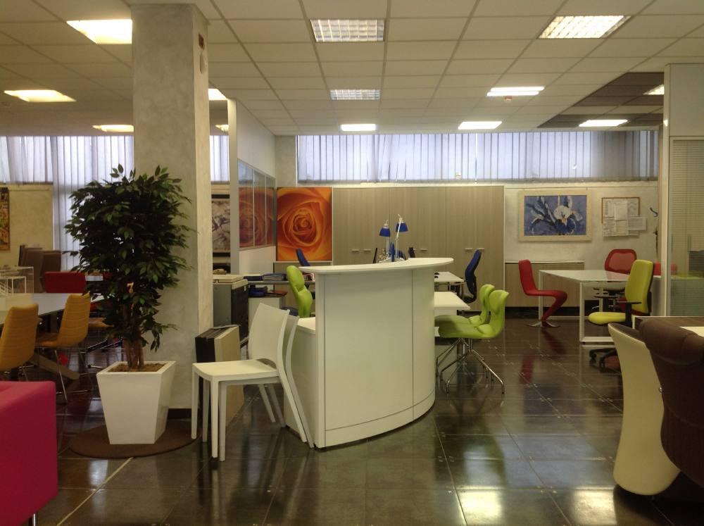 Showroom cologno monzese mi centrufficio - Centrufficio cologno ...