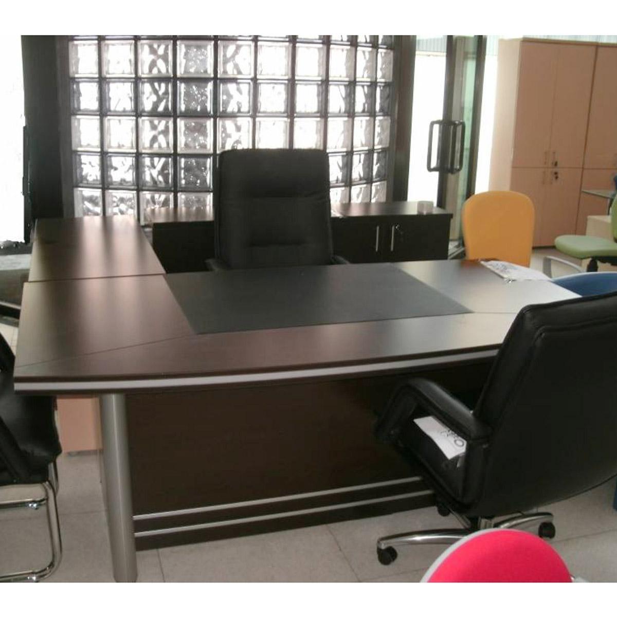 Ufficio direzionale finitura weng centrufficio for Mobili ufficio wenge