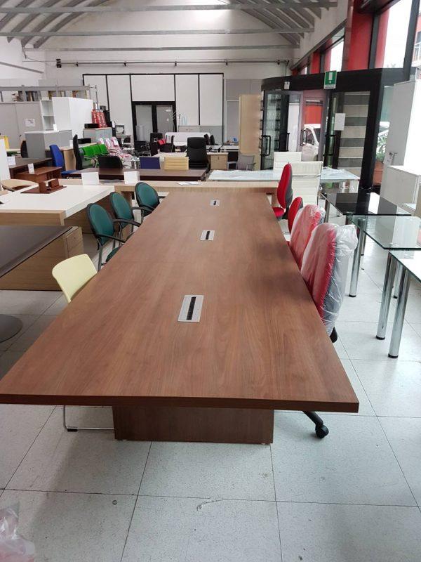 resized_FOTO 175 tavolo riunione in noce cm 400 a 499€